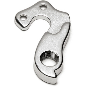 Replaceable derailleur hanger / dropout 61